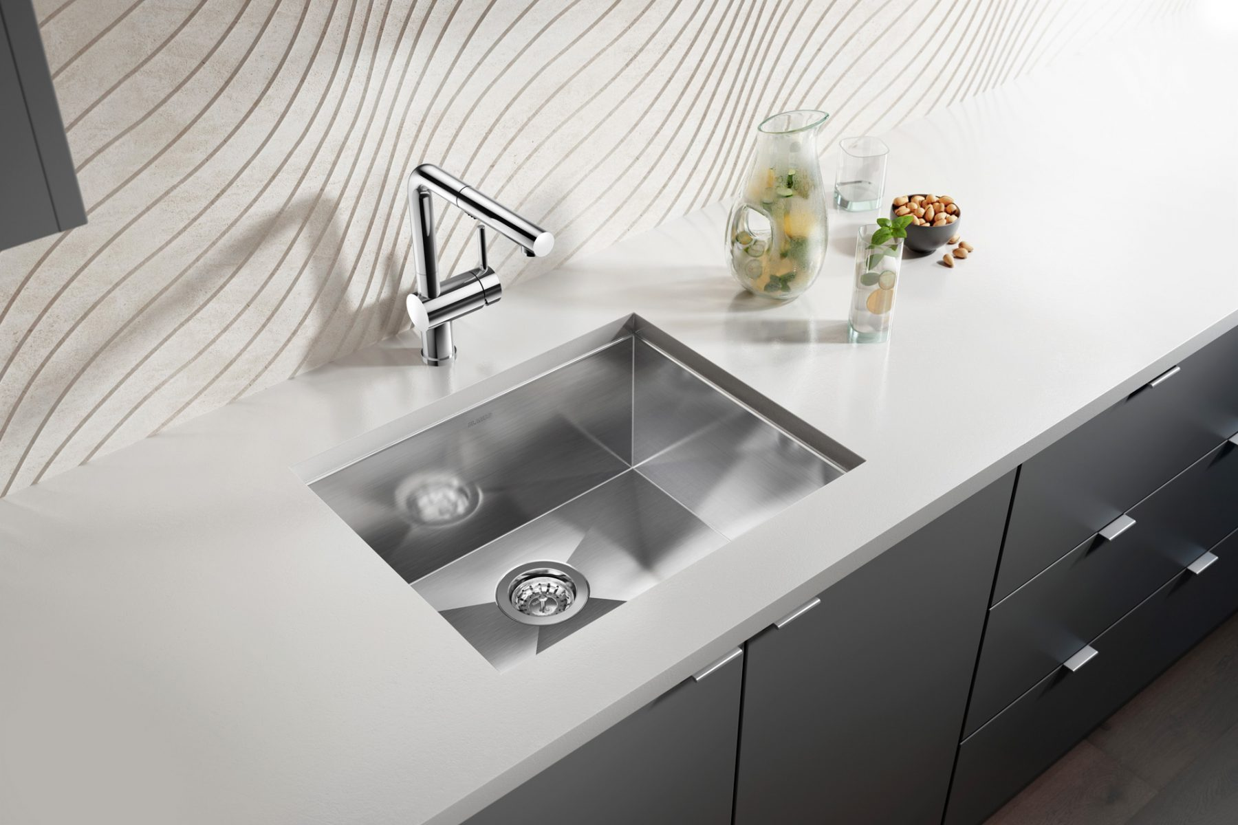 3d-imagery-maker-modern-sink-and-faucet